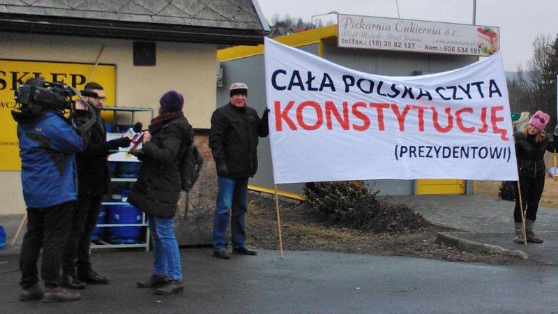 Cała Polska czyta Konstytucję (Prezydentowi)