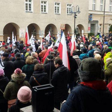"""""""Obrońmy ład konstytucyjny"""" - manifestacja w Opolu 13.03.2016"""
