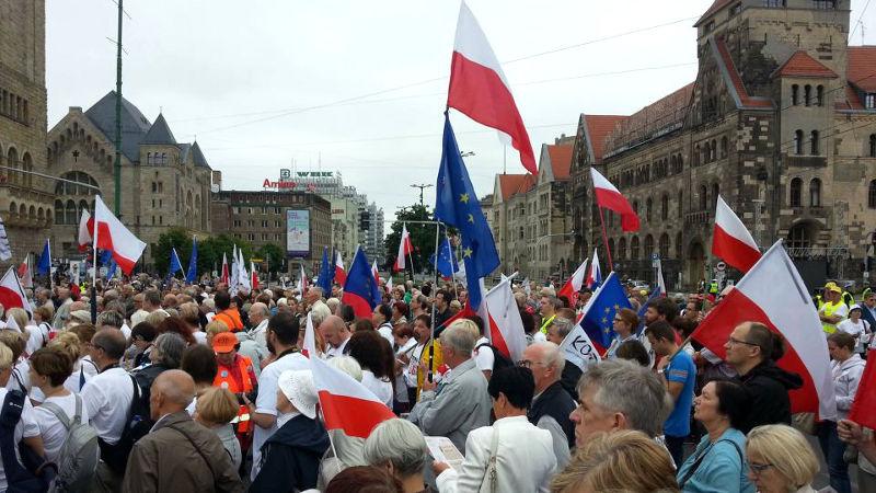Obchody Czerwca '56. Poznańska Pyra jest wzruszona