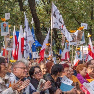 """Marsz """"Jedna Polska - dość podziałów"""" - relacja"""